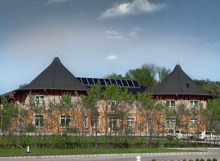 Napkollektor rendszer használati-melegvíz előállításra / fűtésrásegítésre kulcsrakészen