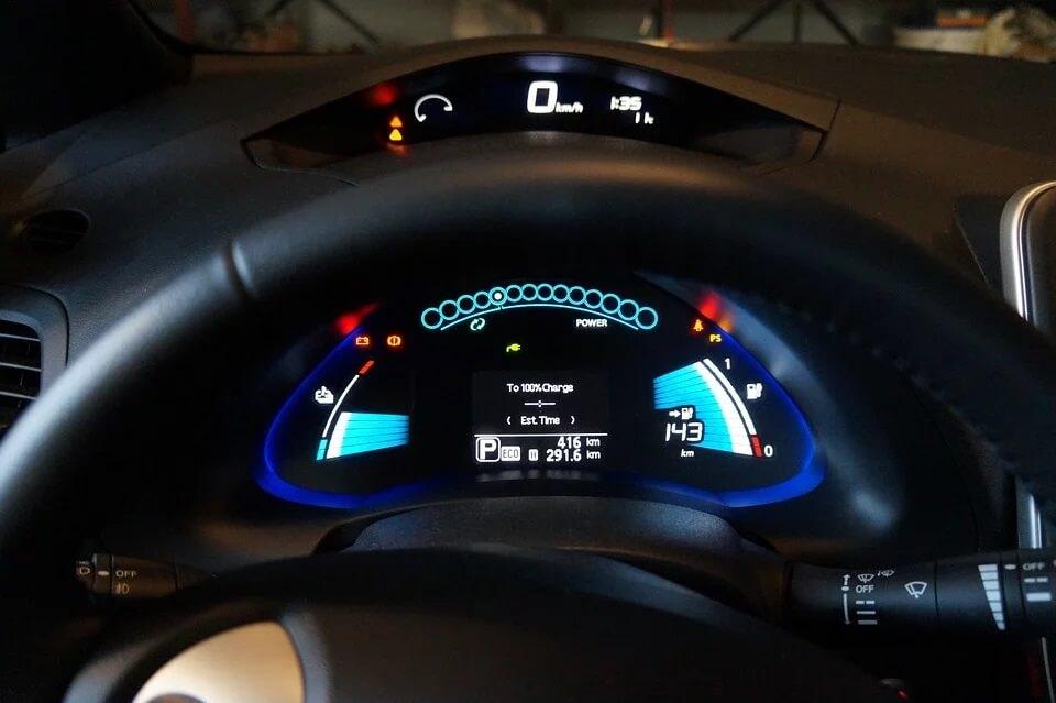 Cégünk a közlekedésben is a zöld utat választja és egy új Nissan Leaf elektromos jármű tulajdonosa lett pályázati támogatás révén.