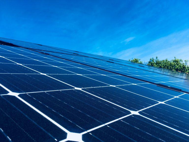 napelem panelek közelről